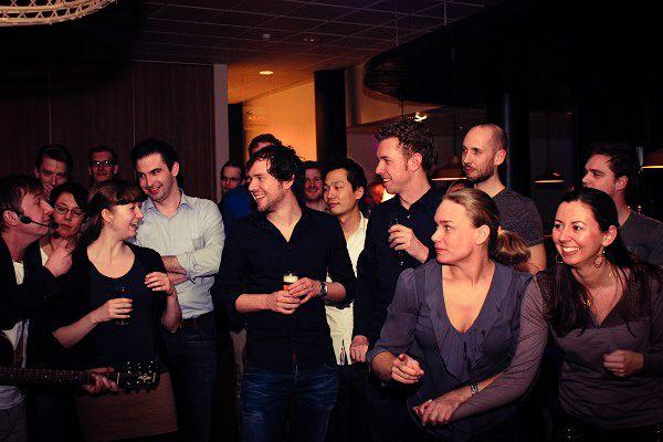 Bedrijfsfeest, borrel, jubileum of vrijmibo - vier jullie feest met Live Muziek & Dj of kies een leuk themafeest