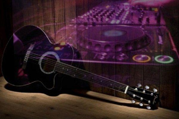 Kamer van Feesthandel - Livemuziek & DJ voor een uniek feest - zanger/gitarist en dj - Kies jullie eigen DJ-booth ! Muziek & Entertainment : 100% feestgarantie